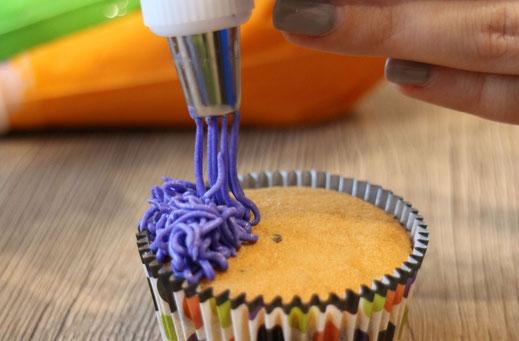 piping cupcakes
