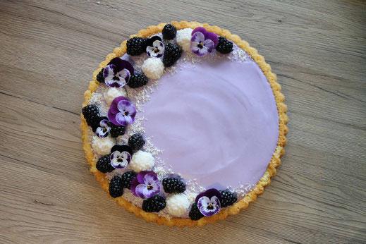 coconut berry cheesecake