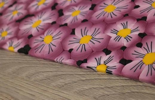 Blumen als Fondantmuster zuschneiden