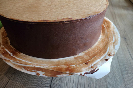 ganache cake for sharp edge
