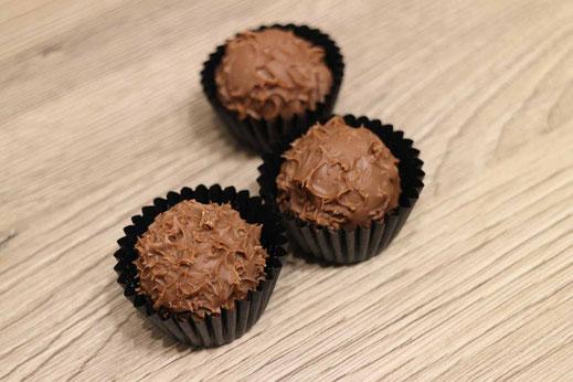 egg liqueur chocolate truffles