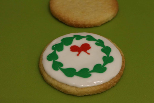 wreath christmas pattern cookies
