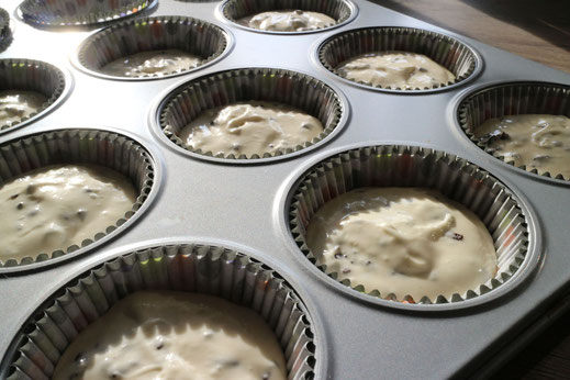 filling baking cups