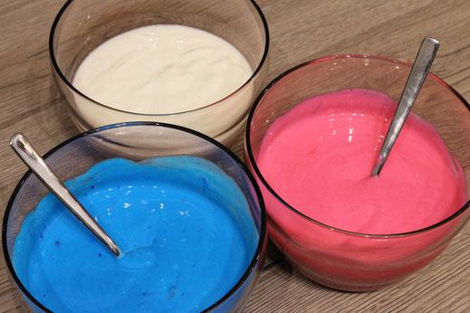 gefärbte Käsekuchenmischung