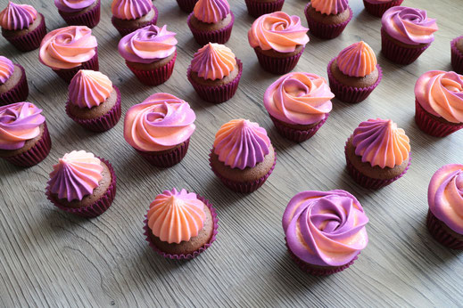 bicoloured cupcakes