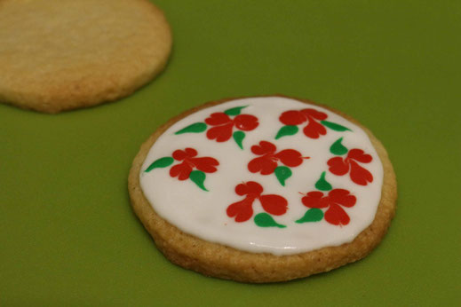 christmas pattern cookies with roses