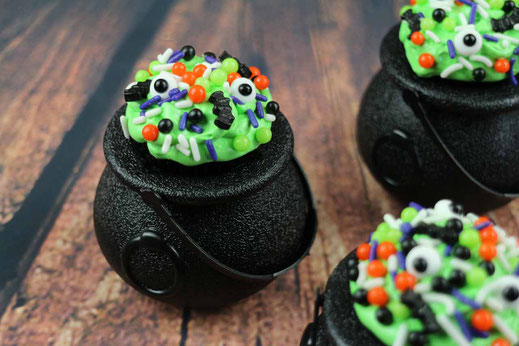 witches caledron cupcakes