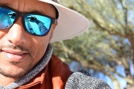 Beim Wandern ist ein ausreichender UV Schutz und Polarisierte Gläser von Vorteil.