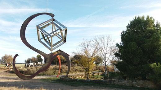Escultura cinetica Dragon cubo