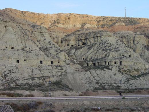 cuevas de arguedas año 2002
