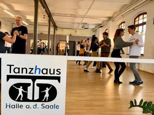 Tanzhaus Halle (Saale), Inhaber: Daniel Decker | www.tangomio.de