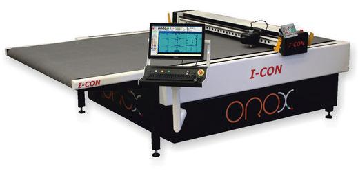 OROX Italy | iCon - Macchina da taglio con trasportatore