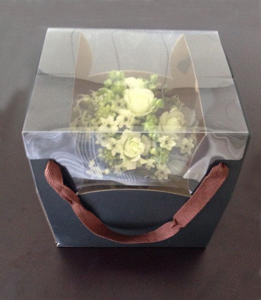 素敵なひとつしかないオーダーメイドの花のプレゼントになります