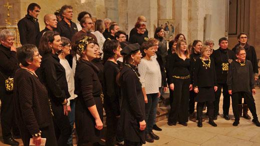 Kantoj de la Mondo choeur mixte de Saint-Secondin, Compagnie Parolata Sung, Vienne 86, Deux-Sèvres 79, Nouvelle-Aquitaine.