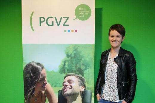 Verpleegkundige Jasmijn Vahl (25) werkt sinds vorig jaar bij de thuiszorgorganisatie PGVZ.