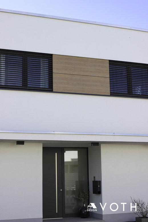 Aluminum Schüco Haustüre mit Griffmulde und LED Beleuchtung in Köln, Aachen und Düren
