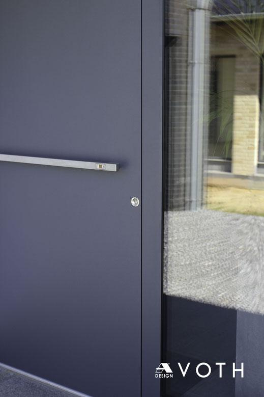 Aluminium Haustüren flächenübderdeckend innen und außen von Inotherm