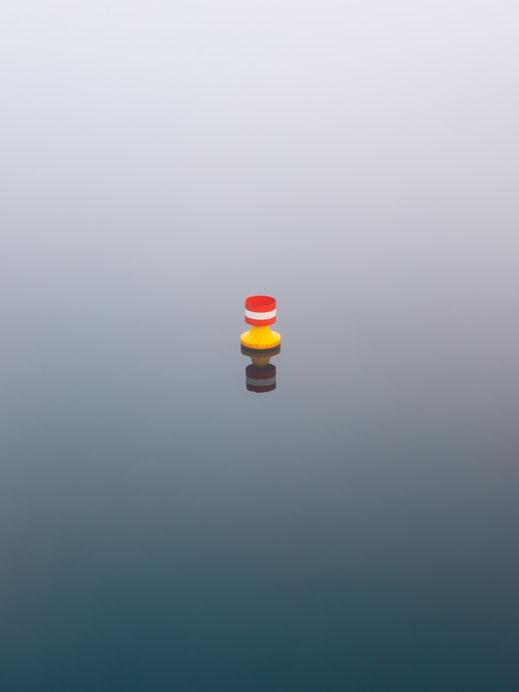 Minimalismus, Fotografie, Boje, Spree, Berlin, Nebel, photography, Fotokunst, minimalism, minimalist, minimalistisch, Holger Nimtz, Wandbild, Kunst, fine art,