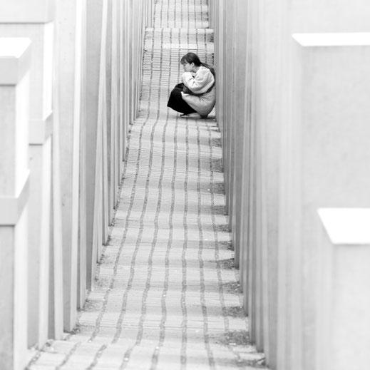 Holocaust Memorial Berlin, Berlin, schwarz-weiß, monochrome, Holger Nimtz, Architecture, mood,