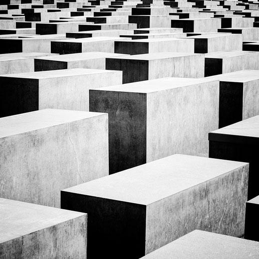 Holocaust Memorial Berlin, Berlin, schwarz-weiß, monochrome, Holger Nimtz, Architecture,