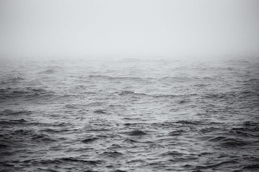 Bjerregard, Nebel, foggy, misty, mystery, mystisch, black and white, monochrome, Denmark, Dänemark, Nordsee, North Sea, Holger Nimtz, Fotografie, photography, seascape, minimalismus, minimalism,