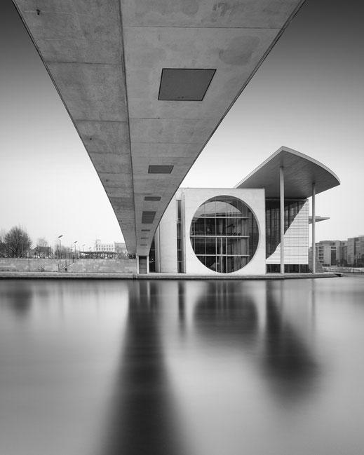 Marie-Elesabeth-Lüders-Haus, Fotokunst, Holger Nimtz, Berlin, Langzeitbelichtung, longexposure, Spree, fine art,