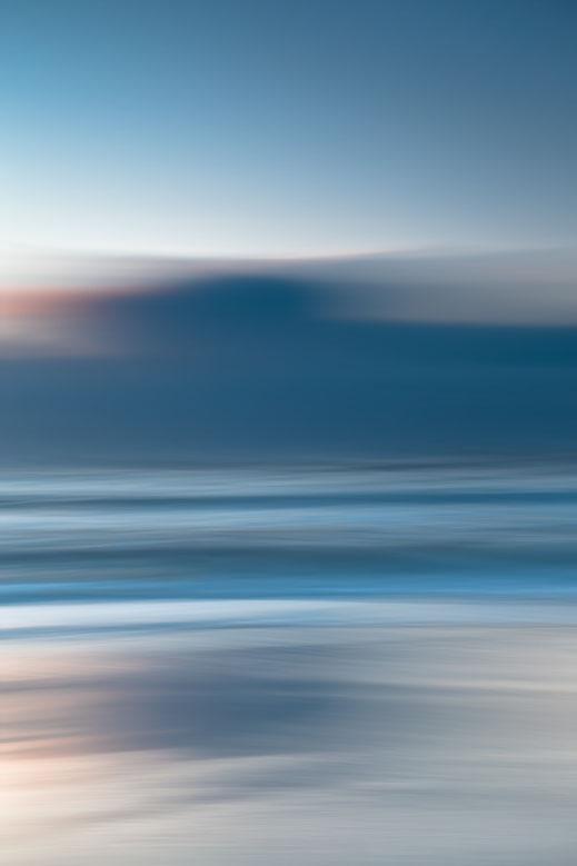 Nordsee, Fotokunst, abstract, seascape, Kunst, Fine Art, Fotografie, photography, wall art, moody, sunset, Holger Nimtz, Streifen, strpies, dekorativ, impressionistisch, Impressionismus, abstrakt, Wandbild, malerisch, surreal, Surrealismus, verwischt,