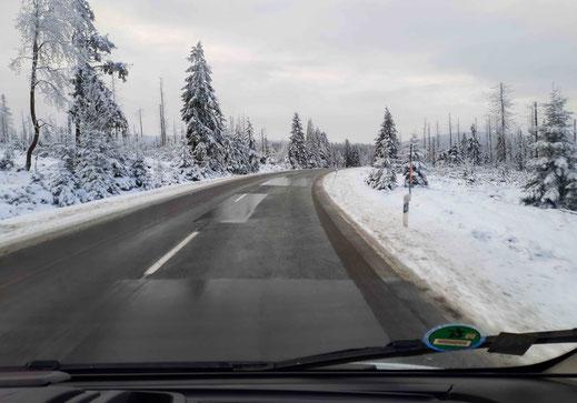 Am Neujahrsmorgen auf der B4 zwischen Torfhaus und Oderbrück.