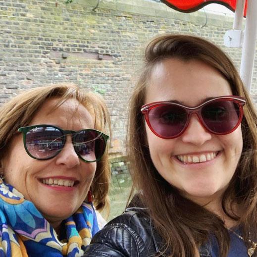"""Rosa Di Cerbo e Alessandra Di Meola autrici di Una storia a """"quattro zampe"""" e a """"quattro mani"""" della raccolta A porte chiuse"""