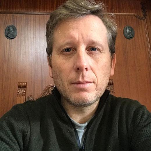 Alfonso Annunziata autore di Solitudini d'amore ai tempi del coronavirus presente nella raccolta A porte chiuse