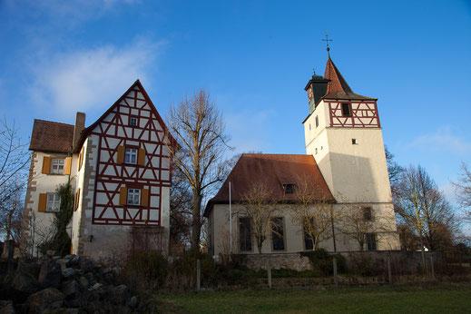 Ensemble Kirche und Schloss in Habelsee (Foto: Karin Bruder)