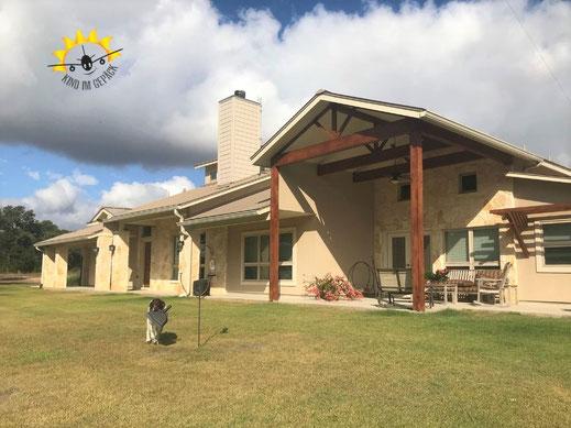 Housesitting bei Austin auf einer Ranch mit zwei Hunden,