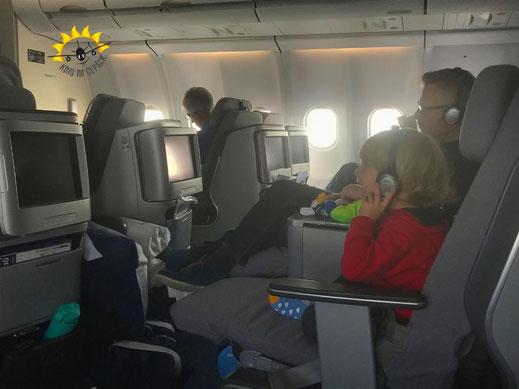 Lufthansa Business Class Flug nach Austin mit Kleinkind.