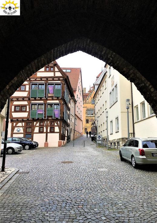 Blick unterm Metzgerturm Richtung Rathaus