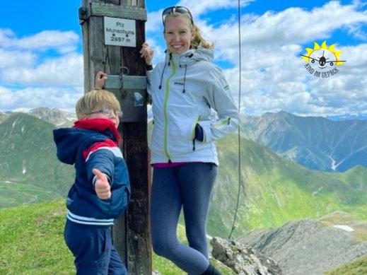 Mit Kind auf dem Piz Munschuns in Samnaun.