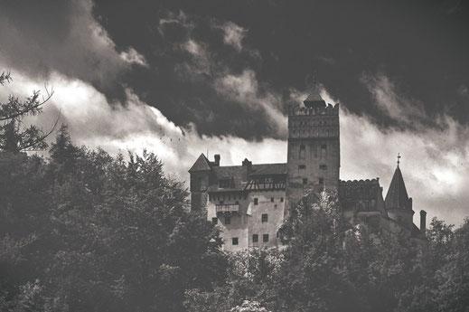 Das Dracula Schloss in Transilvanien.   @mitkindimrucksack
