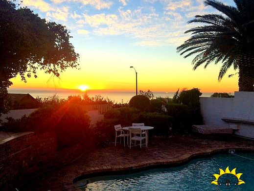 Sonnenuntergang. Ausblick vom Haus in Camps Bay.