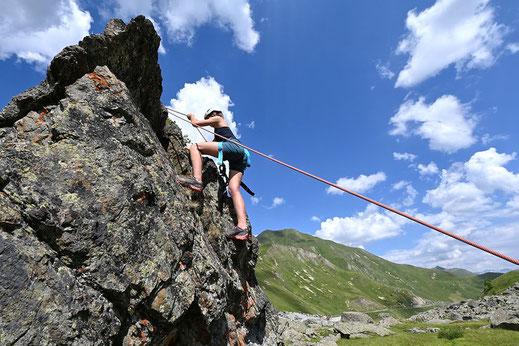 Im Boulder-und Kletterpark können Kletterversuche geübt werden. @Mario Curti