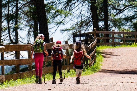 Bergwandern mit Kinder will gut geplant sein.