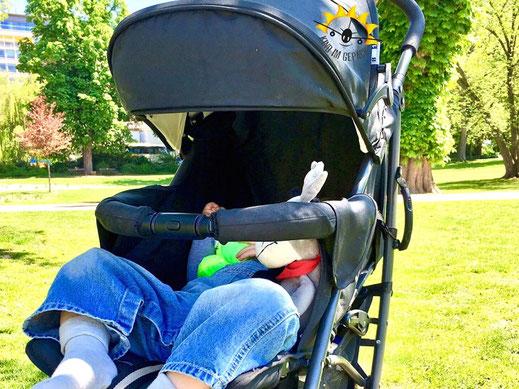 """Nach dem Sightseeing: ein Mittagsschlaf in der Parkanlage """"Warmer Damm""""."""