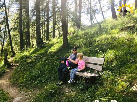 Pause am Südhang der Samnauner Bergwelt.