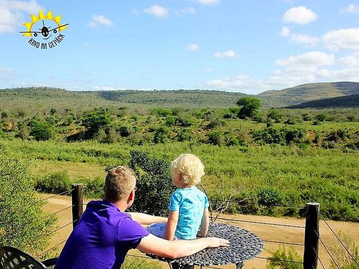 Blick auf den (ausgetrockneten) Mfolozi River.