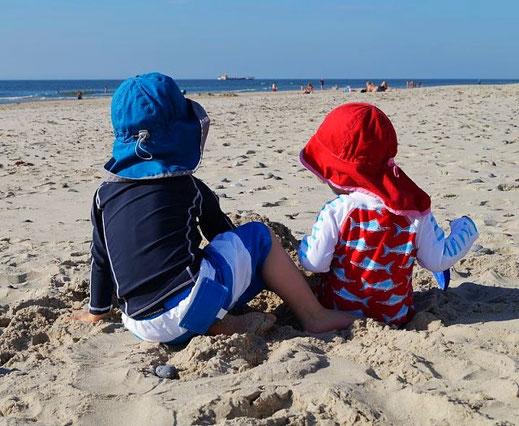 Am Strand spielen in Dänemark: aufregend und spannend zugleich. @küstenkidsunterwegs