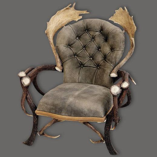 Der_Sessel_Prinzipal_aus_Hirschgeweih_ist_sehr_dekorativ