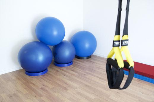 Kraftraum, Fitnesstraining, MTT, medizinische Trainingstherapie