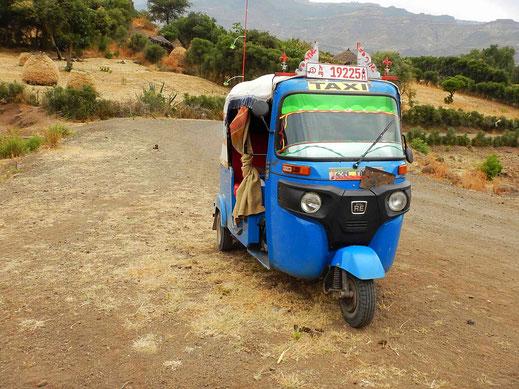 ©Textes_et_Photos_Pascal_Mawuli_Macé_Voyage_Ethiopie_Commerce_solidaire_Addis_Abeba_Mawuli-Ethiopie_Badjajs_tricycles_transport_Yemhranna_Krystos