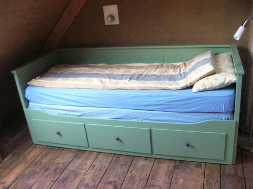 Bett als Einzelbett