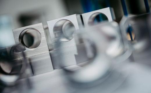 Ueber uns Sondermaschinenbau Heilbronn 10 Gruende Dicke Kabel abisolieren Bestueckungstechnik Automatisierung Industrie