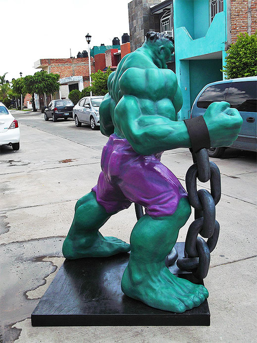 Diseño hulk en fibra de vidrio