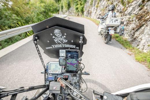 Smartphone als vollwertiges Motorrad-Navigationsgerät